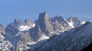 Naranjo de Bulnes. Picos de Europa (Cantabria) Font: http://www.picoseuropa.net/ [Consulta: 14/06/2016]
